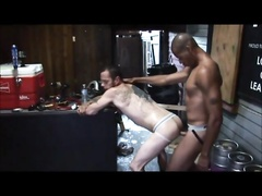Damon_Dogg_servicing_the_bruthas